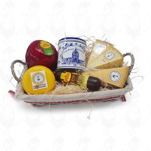 Geschenkmand kaas en zoet