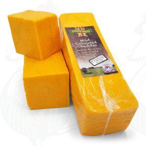 Rode cheddar kaas - Mild |  Block of 2,5 kilo / 5.5 lbs